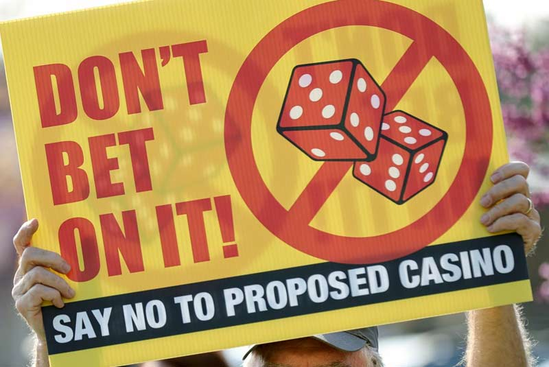 Richmond residents protest against cordish companies casino