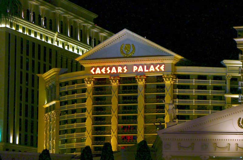 Caesars entertainment sued by former employee