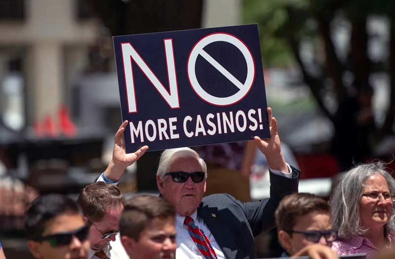 Floridians protest against proposed gambling expansion