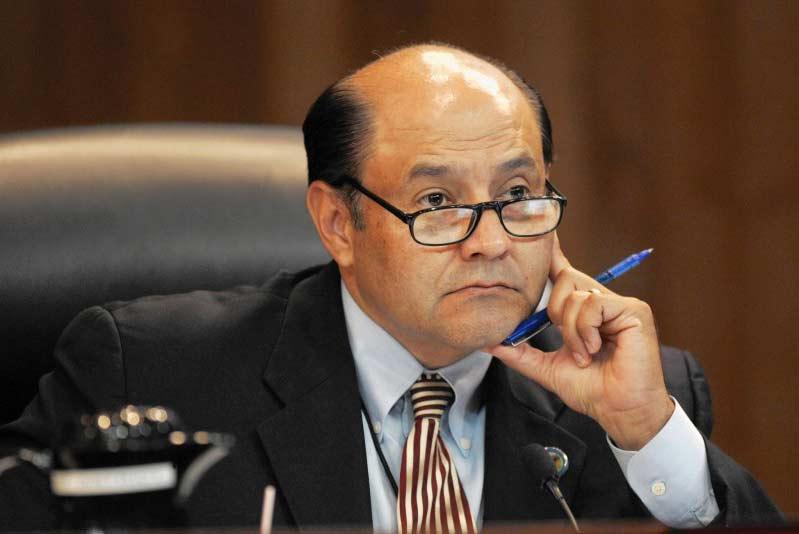 Representative Lou Correaa